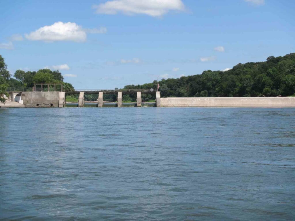 Des Moines River hydroelectric dam prior to demolition in Fort Dodge, IA