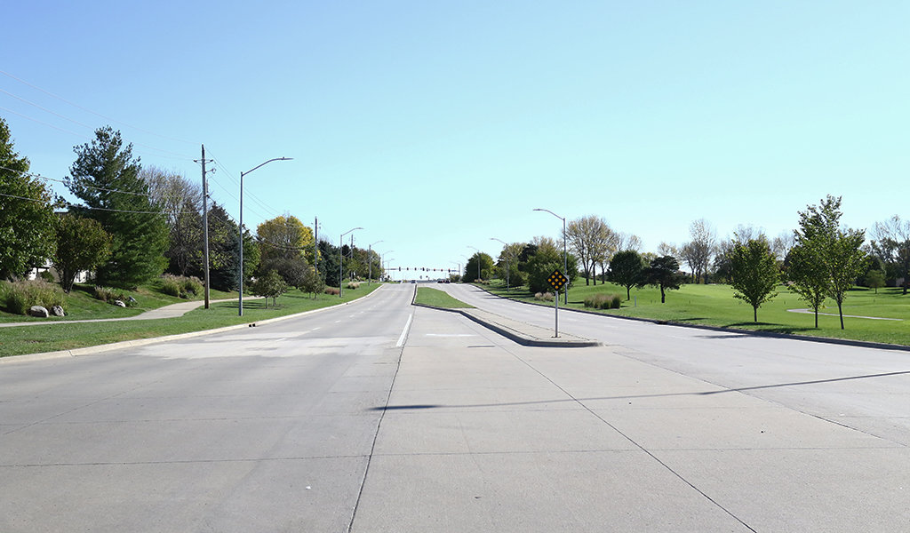 4 lane wide road