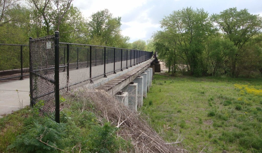 An image of an 894-foot-long bridge that's part of the Raccoon River Valley Trail.