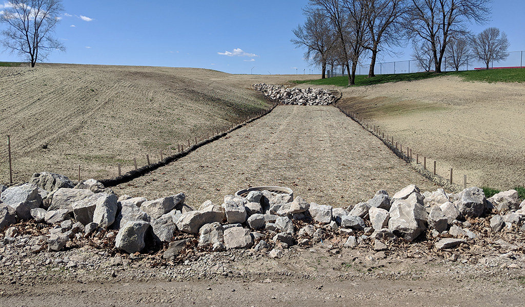 Close view of rocky wall in bioretention cell