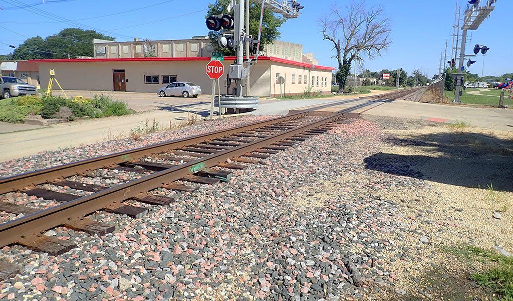 Clinton, IA railroad crossing