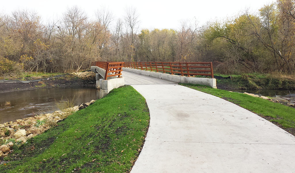 troy park trail connecting to new pedestrian bridge