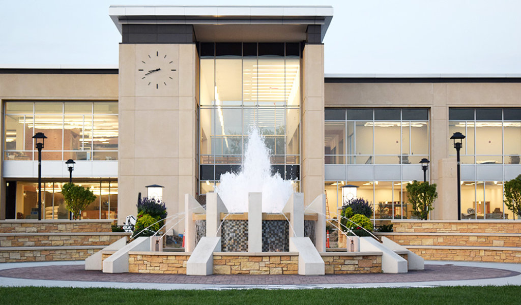 view of front fountain at Ankeny new Civic center