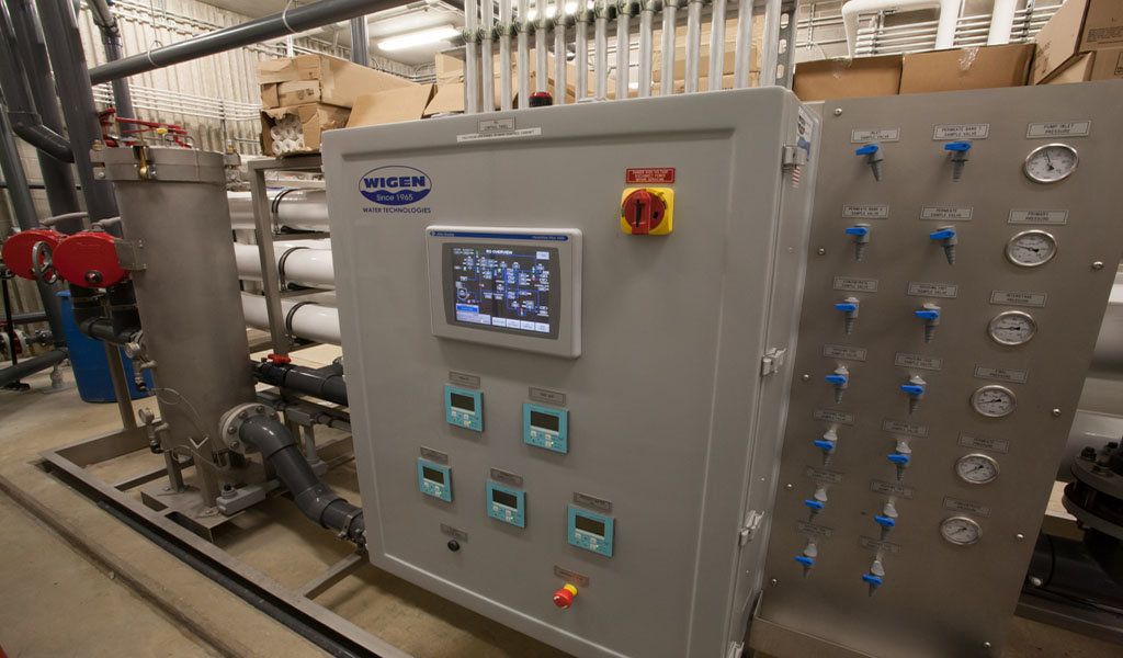 control panel that runs reverse osmosis system