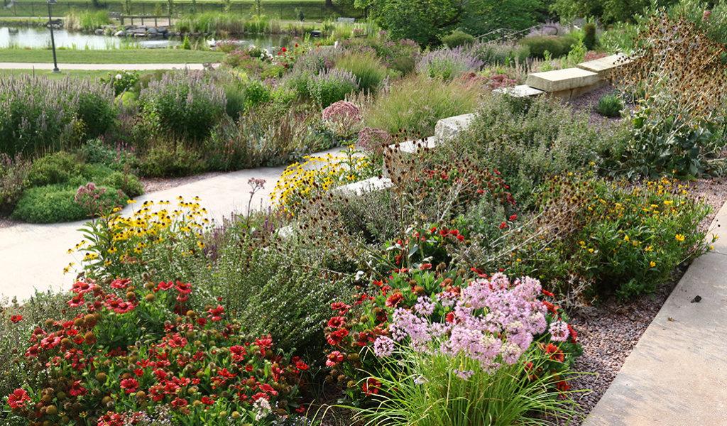 Seasonal planting themes