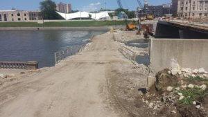 Bridge construction temporary causeway